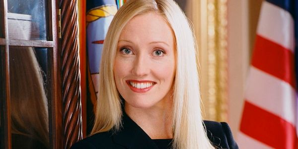 The West Wing: 10 Things You Never Knew About Donna Moss