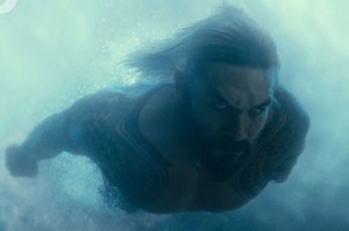 Aquaman Swims with the Fishes in New Justice League Photo