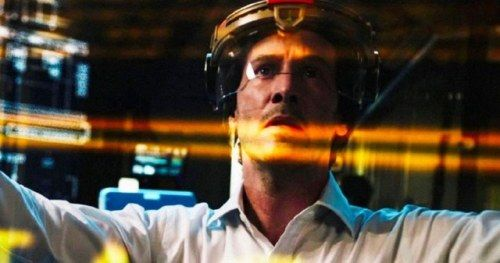 Replicas Trailer Has Keanu Reeves Trying to Clone a Dead FamilyA