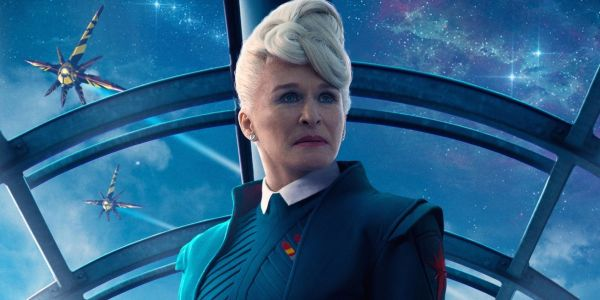Glenn Close Defends Scarlett Johansson's Controversial Rub & Tug Casting