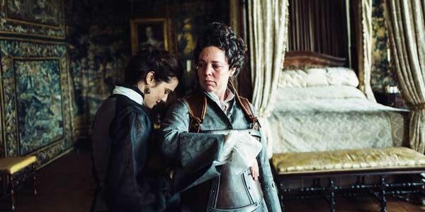The Favourite's Olivia Colman Says Kissing Co-Star Rachel Weisz Was Like 'Winning The Lottery'