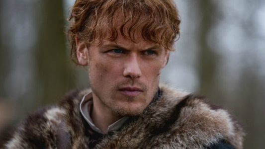 Outlander: 10 Jamie Mannerisms From The Book Sam Heughan Nails