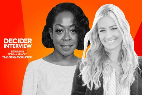 """Tichina Arnold and Beth Behrs Reveal the Number One Rule of 'The Neighborhood' Set: """"No Bullsh*t"""""""