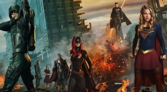 The CW's 'Elseworlds' is an Epic Superhero Crossover Done Right