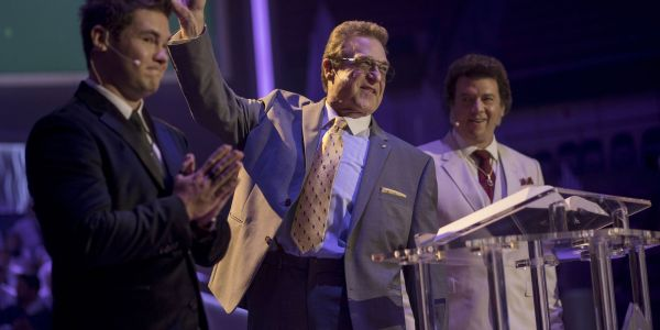 The Righteous Gemstones Series Premiere Review | Screen Rant