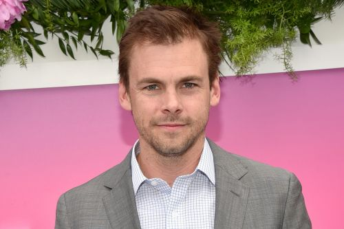 'Casual' Star Tommy Dewey Joins Hulu's 'Four Weddings and a Funeral'