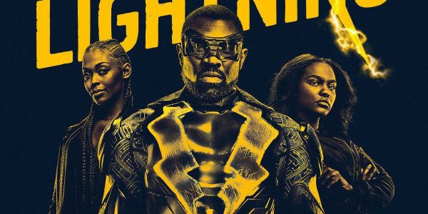 Black Lightning: Wears Outsiders Comic Costume