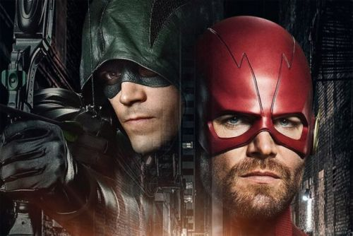 Oliver Becomes Barry Allen in the First Elseworlds Crossover Teaser