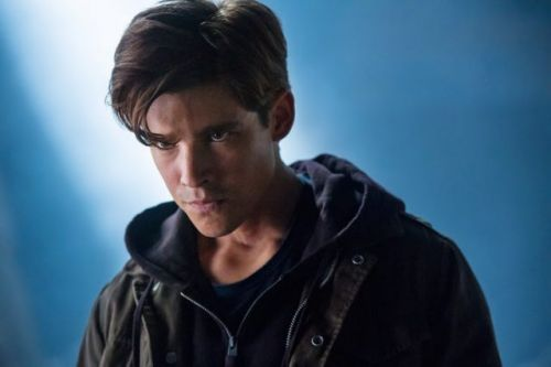 Titans Season One Finale Photos Reveal Familiar DC Villains