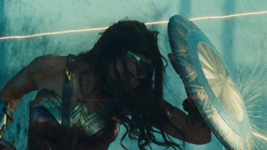 20 Mistakes Fans Completely Missed In Wonder Woman