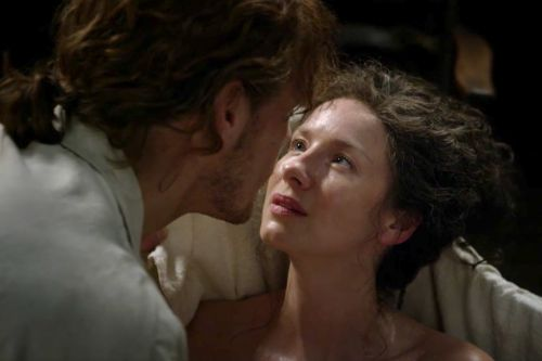 'Outlander': That Bathtub Scene Was the Most Decadently Romantic Thing Ever Aired on TV