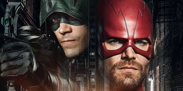 Arrowverse Crossover Set Photos Reveal Grant Gustin's Green Arrow Costume