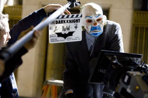 21 Behind-The-Scenes Photos From The Dark Knight That Change Everything