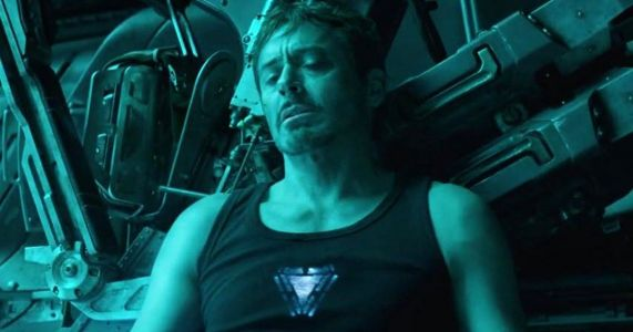 Avengers: Endgame Fan Theory Knows How Tony Stark Gets Rescued?