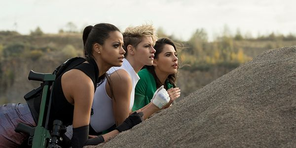 First Look At Kristen Stewart And The New Charlie's Angels Cast On Set