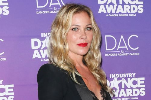 Netflix Orders Christina Applegate Dark Comedy 'Dead to Me'