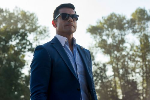 'Riverdale': Who Shot Hiram Lodge?
