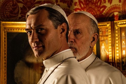 Jude Law Isn't So Young Anymore in First Photo from 'The New Pope'
