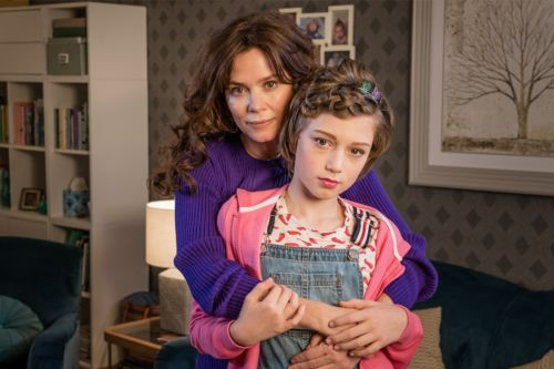 Hulu Picks Up Anna Friel's 'Butterfly'