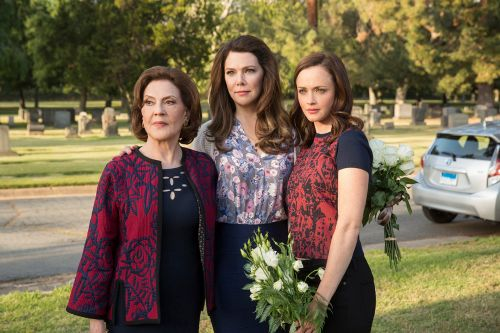 'Gilmore Girls: A Year in the Life' to Air on The CW This Thanksgiving