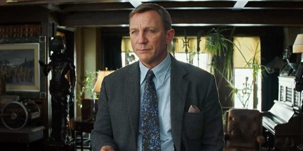Rian Johnson Promises Knives Out 2 Won't 'Young Indiana Jones' Daniel Craig's Character