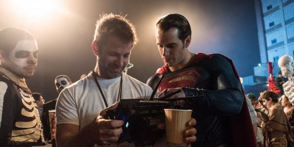 Justice League: Zack Snyder Publicly Thanks Snyder Cut Fans