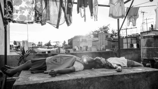 Alfonso Cuarón's 'Roma' is a Netflix Movie That Deserves to be Seen in Cinemas