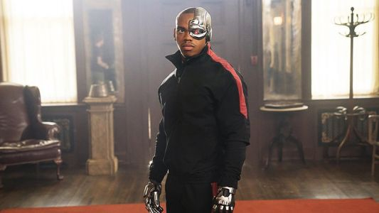 DC Universe's Doom Patrol Episode 2 Photos Released