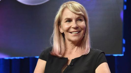 Sharp Objects' Marti Noxon Inks Deal With Netflix