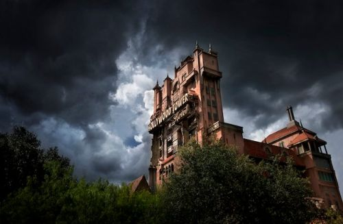 Scarlett Johansson to Star In and Produce Disney's Tower of Terror Film