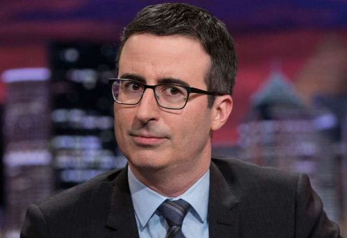 """John Oliver Explains How 'Last Week Tonight' Tackles Subjects That Are Comedy """"Kryptonite"""""""