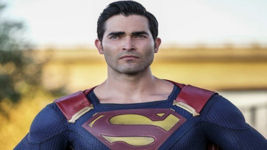 Superman Wears a New Black Suit in the Arrowverse Crossover