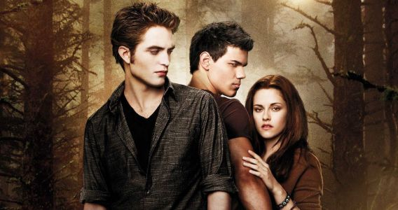 Twilight: 20 Behind-The-Scenes Photos That Completely Change The Movies