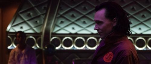 'Loki' Just Confirmed a Key Part of Loki's Sexuality and It Has the Lighting to Prove It