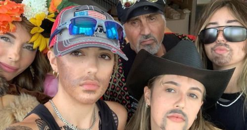 Sylvester Stallone and Family Cosplay as Joe Exotic and
