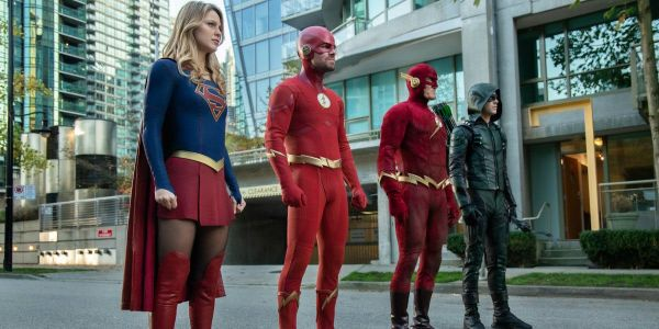 Arrowverse Crossover Images: Elseworlds Heroes, Kent Farm & More